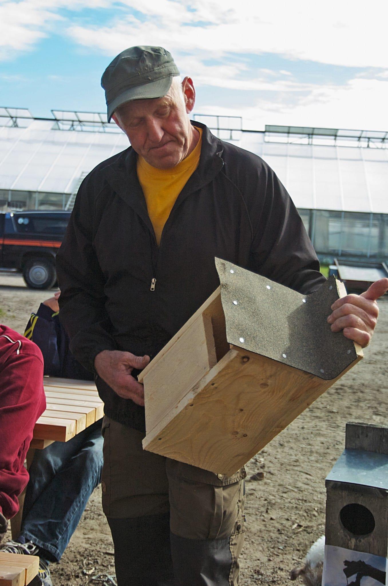Holkar ska byggas för fåglar och inte för människor, anser Eskil Lugnet. Foto: Bernt Karlsson