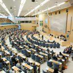 I dag debatteras regeringens förslag om utfodringsförbud i riksdagen. Foto: Melker Dahlstrand