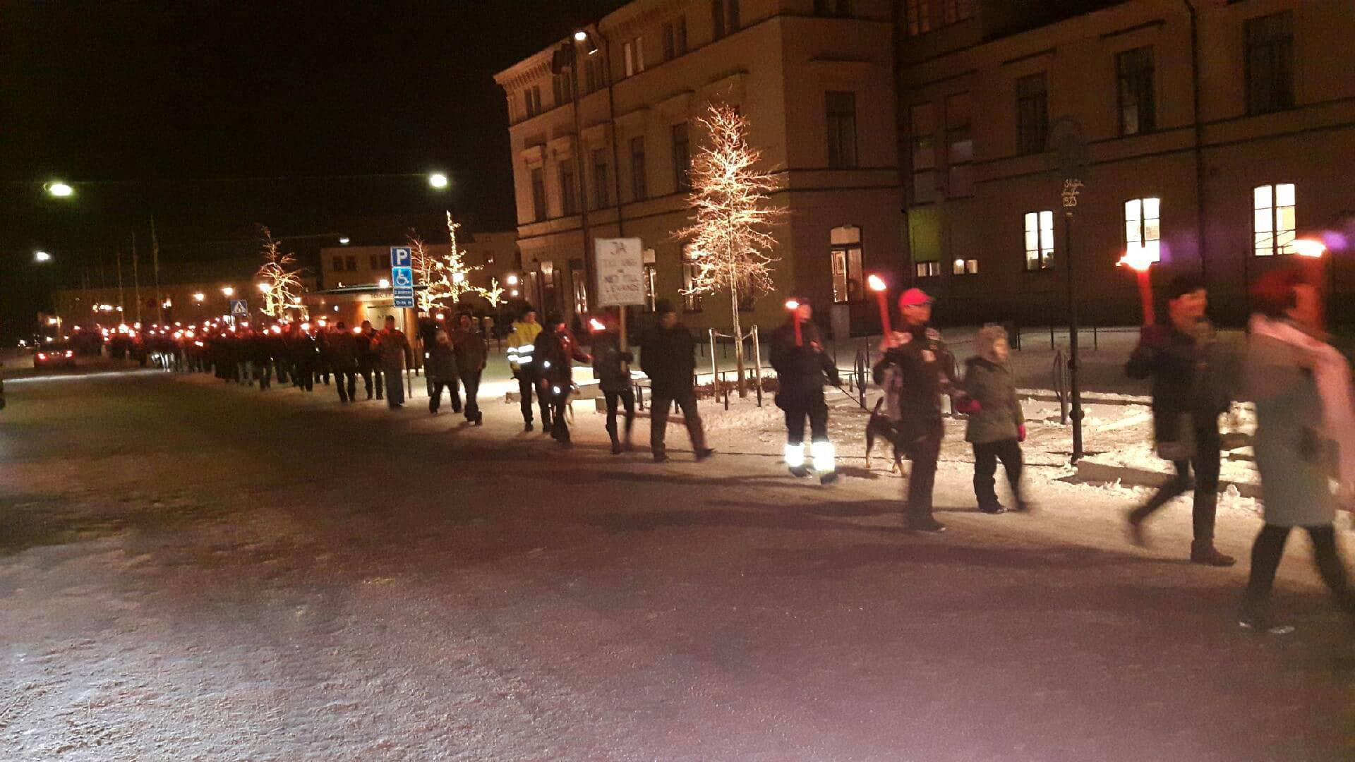 Fackeltåg i Nora – en manifestation mot rovdjurspolitiken. Foto: Leif Andersson
