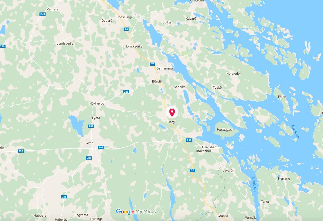 Det var i samband med älgjakt utanför Harg i Östhammars kommun som en jägare attackerades av en björn.