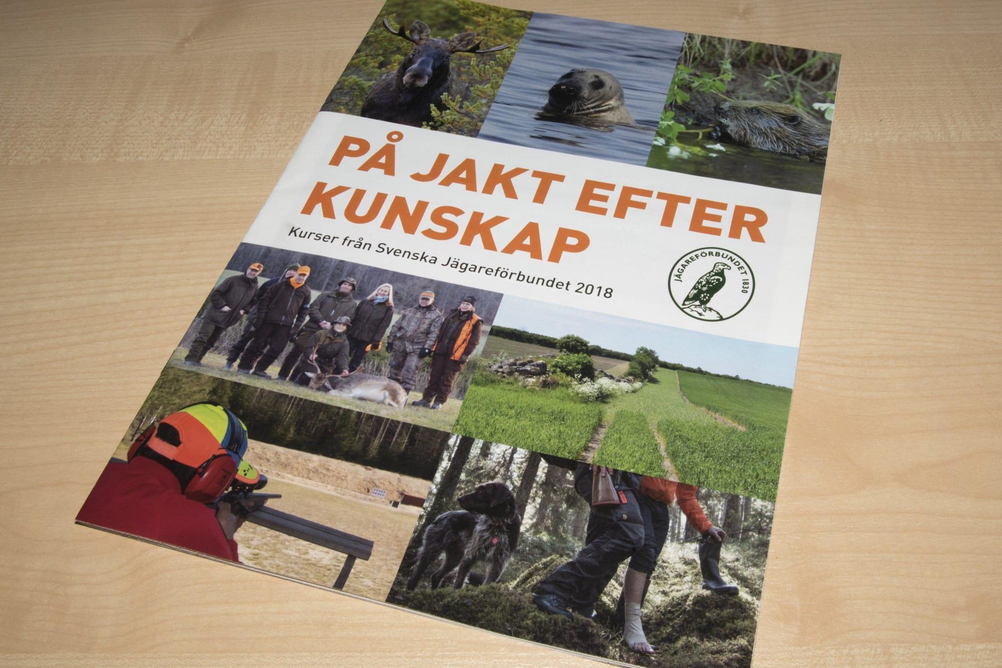Tillsammans med senaste numret av Svensk Jakt skickade Jägareförbundet en bilaga där organisationen berättar mer om alla sina utbildningar. Foto: Martin Källberg