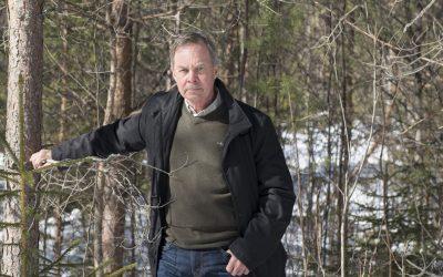 Efter att vetenskapligt ha undersökt vilka kostnader sågverk och skogsägare får idag för viltskador som uppstod för 25 år sedan drar Karl Hedin slutsatsen att det behövs ett nytt älgjaktsystem.