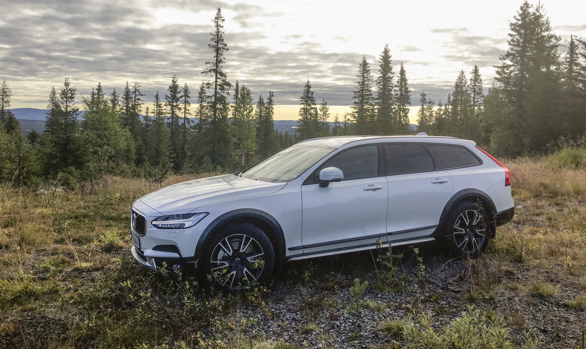 Volvo v90 cross country D5 AWD automat.