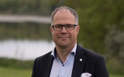 Torbjörn Larsson valdes i dag för en treårsperiod som ordförande för Nordisk Jägarsamverkan. Den avgående NJS-ordföranden Claus Lind Christensen från Danmark har varit ordförande sedan september 2015.På mötet valdes även Runar Rugtvedt från Norge till vice ordförande.