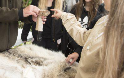 Att lära ungdomar mer om djur är en av aktiviteterna när Jägareförbundet Skåne ordnar en särskild dag för sjundeklassare. Då vill man att en jaktvårdskonsulent deltar.