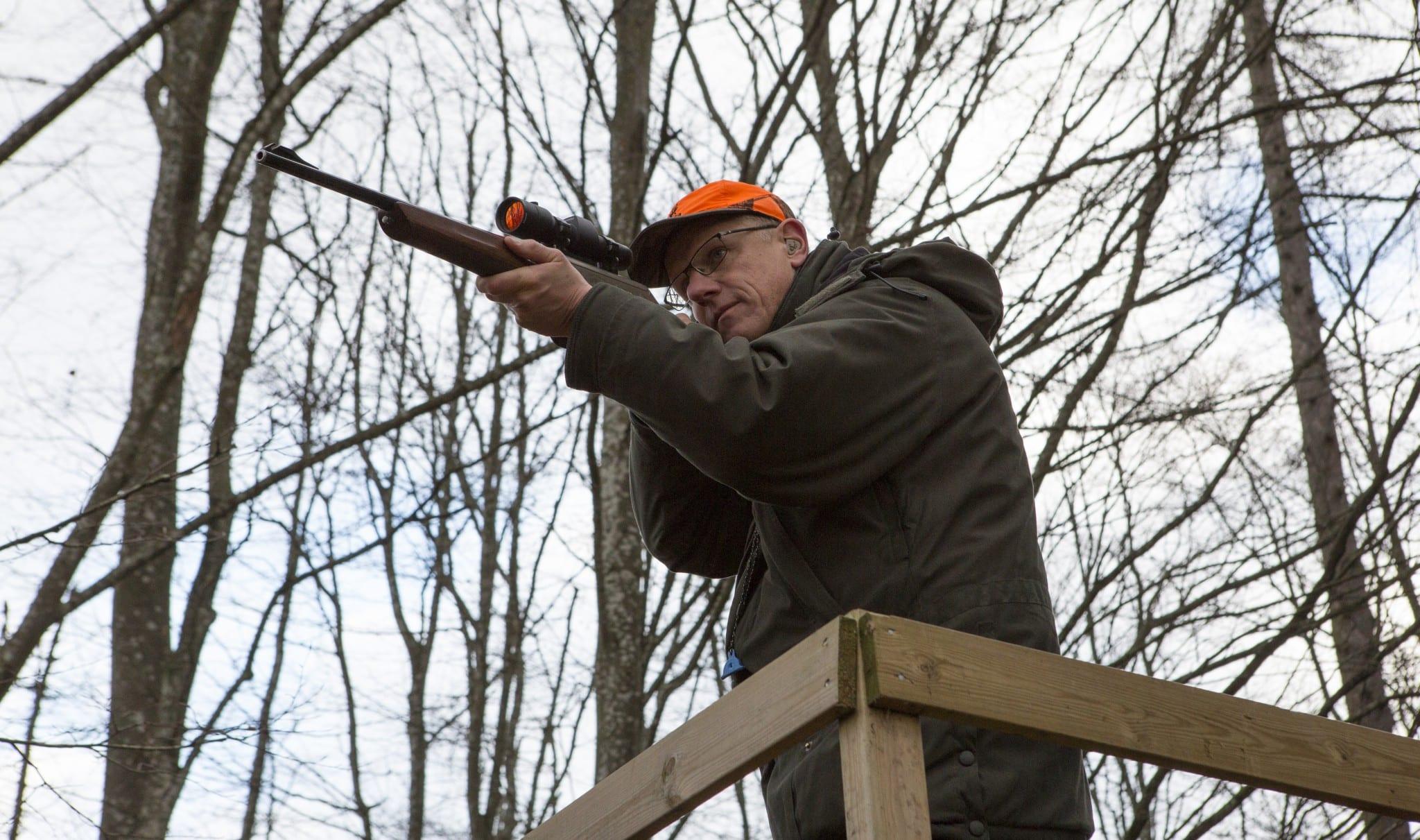 Hur vapnet ska användas påverkar naturligtvis valet i hög grad. Ett första vapen bör vara ett allroundvapen, men söker du ett specialiserat vapen för exempelvis drevjakter eller småviltjakt väljer du kanske annorlunda. Foto: Ulf Lindroth