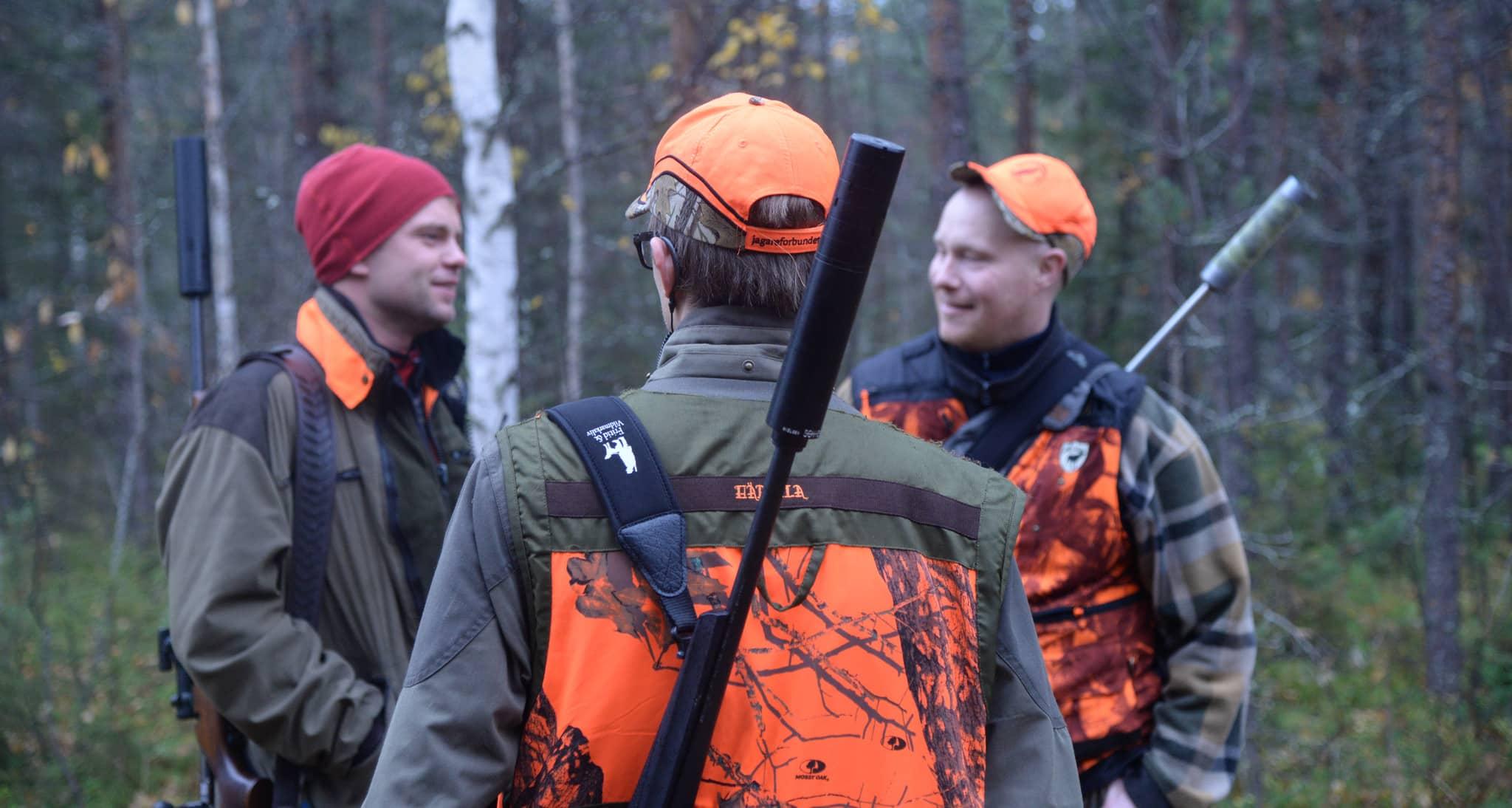 Acceptansen för jakt är rekordhög i Sverige. Men frågan är om partiernas ledningar alltid lyssnar på sina väljare?