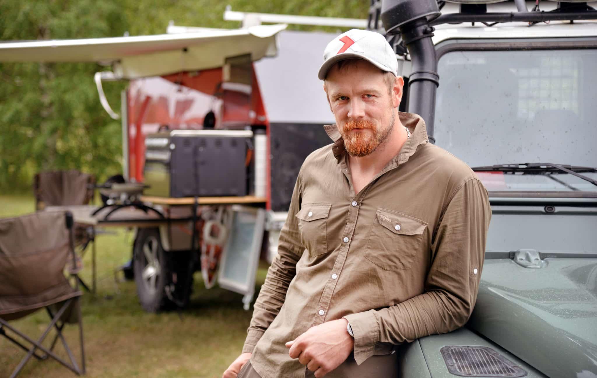 Det tog Mats Lendholm, från Smedsbyn i Norrbotten, cirka två år att bygga sin rullande jaktcamp, efterhand under bygget fick han nya idéer som han förverkligade.