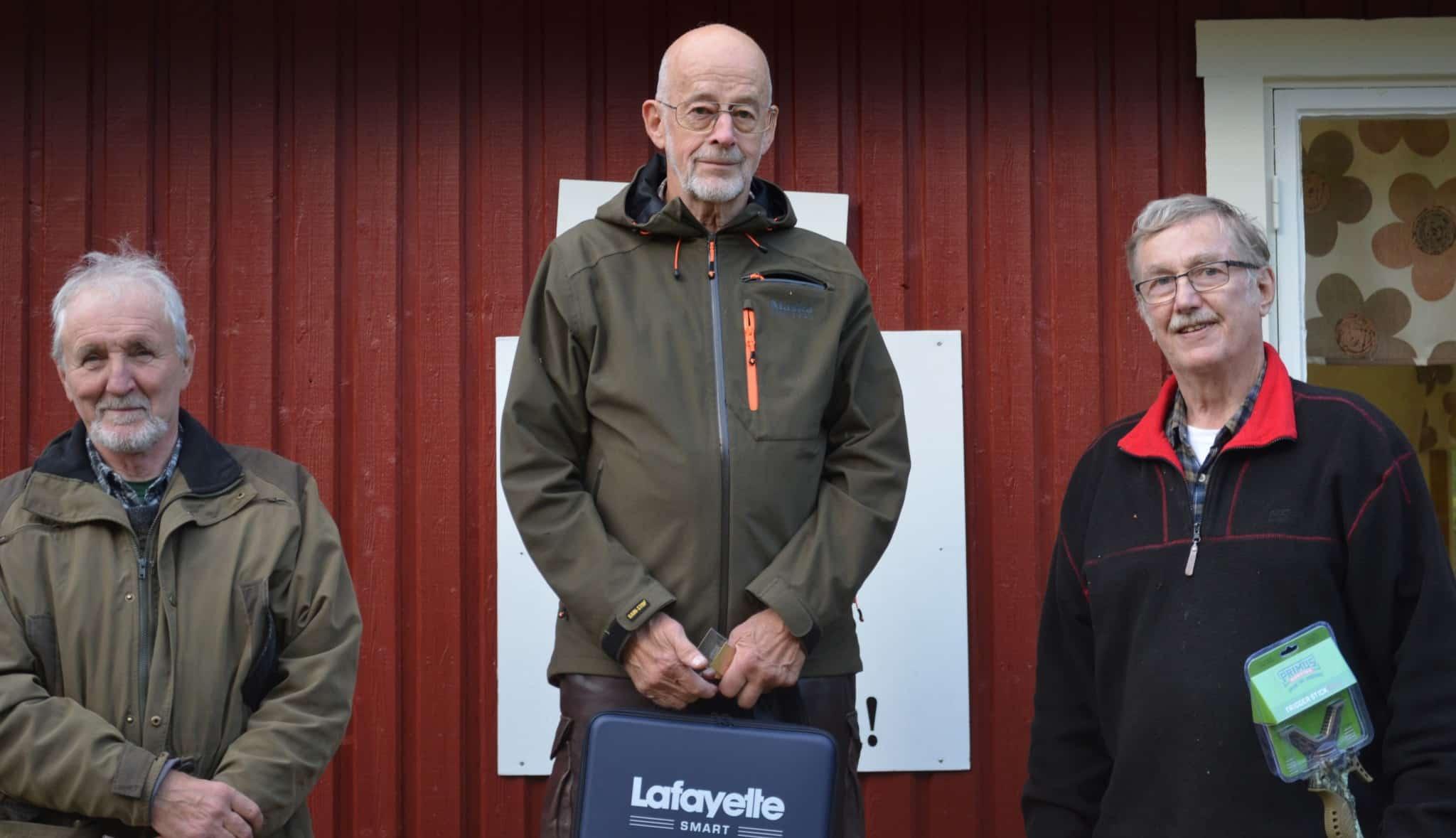 Medaljörerna i veteranklassen. Från vänster: Silver till Kent Assarsson och guld till Peter Norberg samt brons till Kent Andersson.
