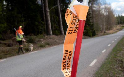Det är så enkelt. Ring polisen och rapportera olyckan och märk ut platsen, uppmanar eftersöksjägare i Upplands Bro efter flera smitningar från viltolyckor.