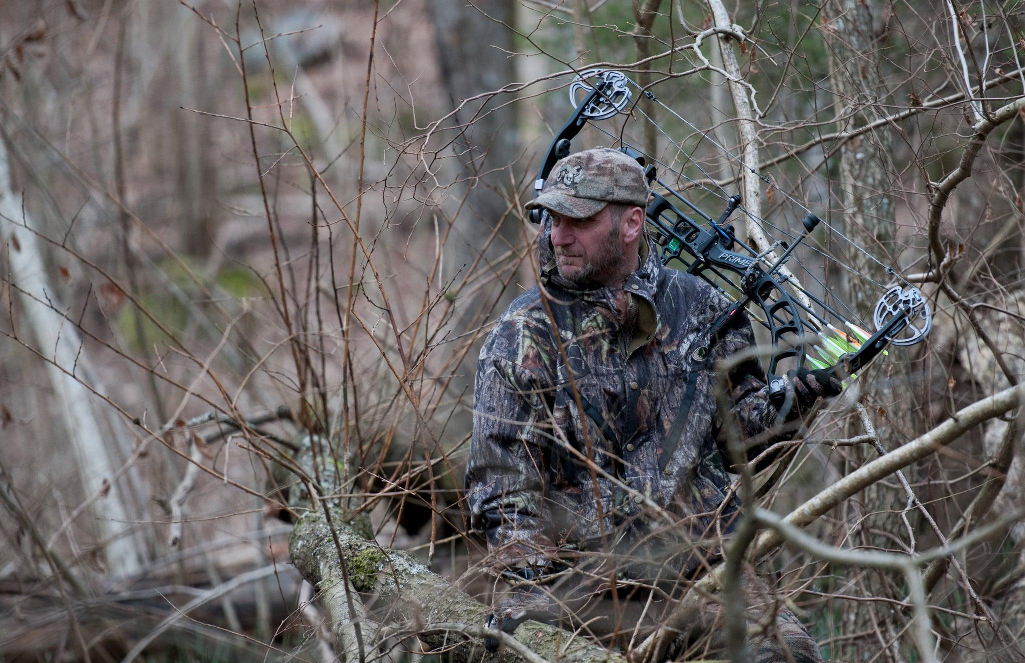 Jägareförbundet är positiv till bågjakt eftersom de erfarenheter och undersökningar som gjorts visar att jaktformen fungerar lika bra som med krutvapen.