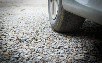 Två krönikor om användande av bil under jakt får kritik av debattören. Foto: Mostphotos