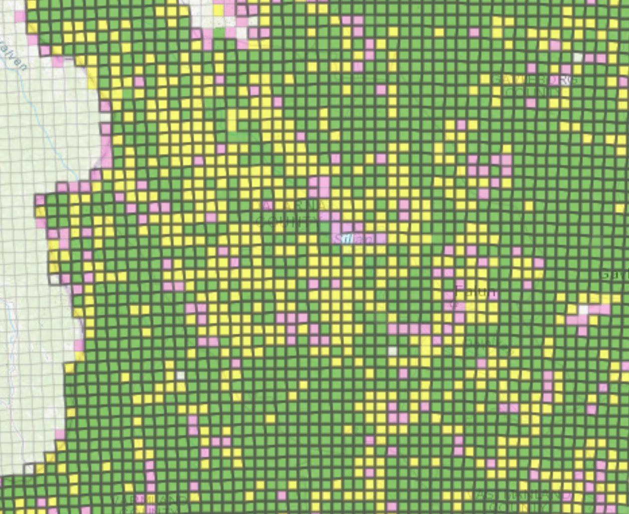 Så här såg varginventeringsinsatsen ut i Dalarna när inventeringen avslutades den 31 mars i år. Gul eller grön markering visar att inventeringsrutorna är körda i enlighet med instruktionerna från Viltskadecenter. Källa: Rovbase