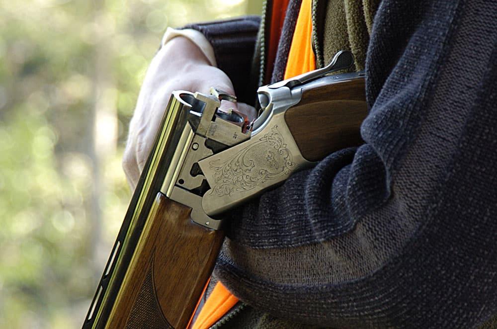 Ska kritiken från JO leda till att polisen skärper sig och att jägare och sportskyttar slipper vänta flera månader på att få sina licenser? Foto: Jan Henricson