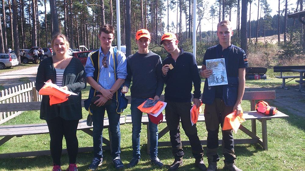 Segrande lag i Jägareförbundets region syds kretskamp blev Skåne med Josefin Nilsson, Oskar Nilsson, Frans Henriksson, Daniel Larsson och Albin Nilsson. Foto: Louise Gårdefalk
