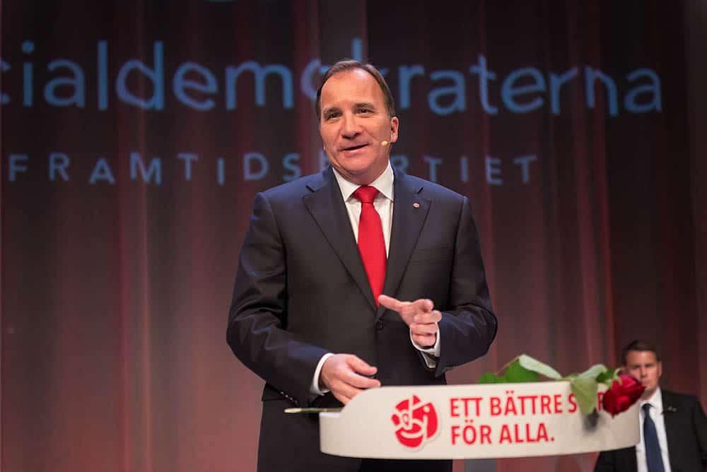Socialdemokraternas Stefan Löfven får i uppdrag att bilda ny regering efter gårdagens riksdagsval. Foto: Anders Löwdin