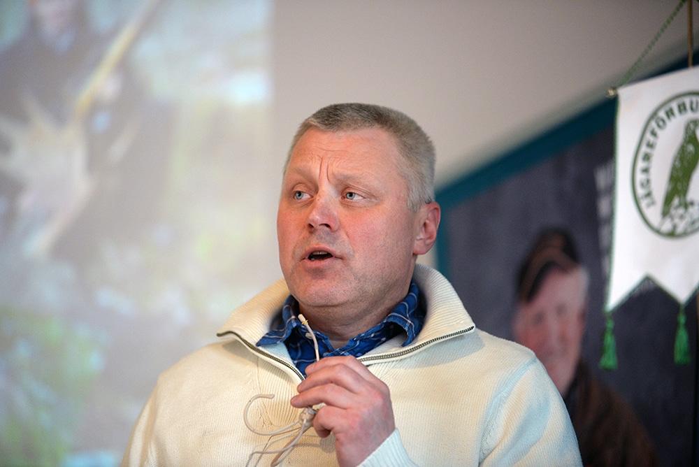 Mikael Samuelsson, ordförande för Jägareförbundet i Norrbotten, är upprörd över hur Conny Lundmarks dispensansökan behandlats. Han kräver nu att landshövdingen i Norrbotten griper in. Foto: Lars-Henrik Andersson