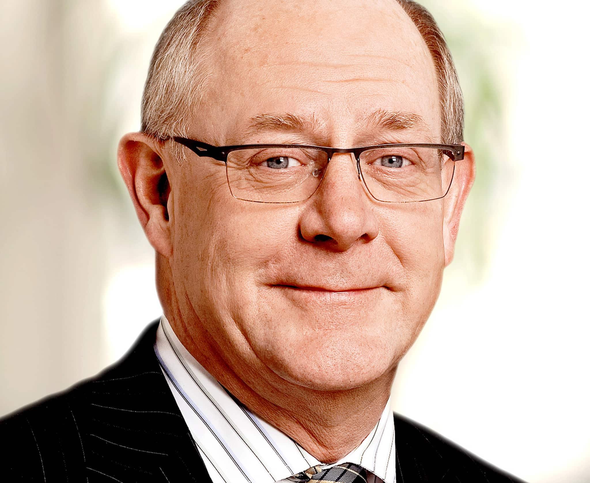 Landshövding Peter Egardt var ordförande för den tidigare vargkommittén. Foto: Sveriges Riksbank