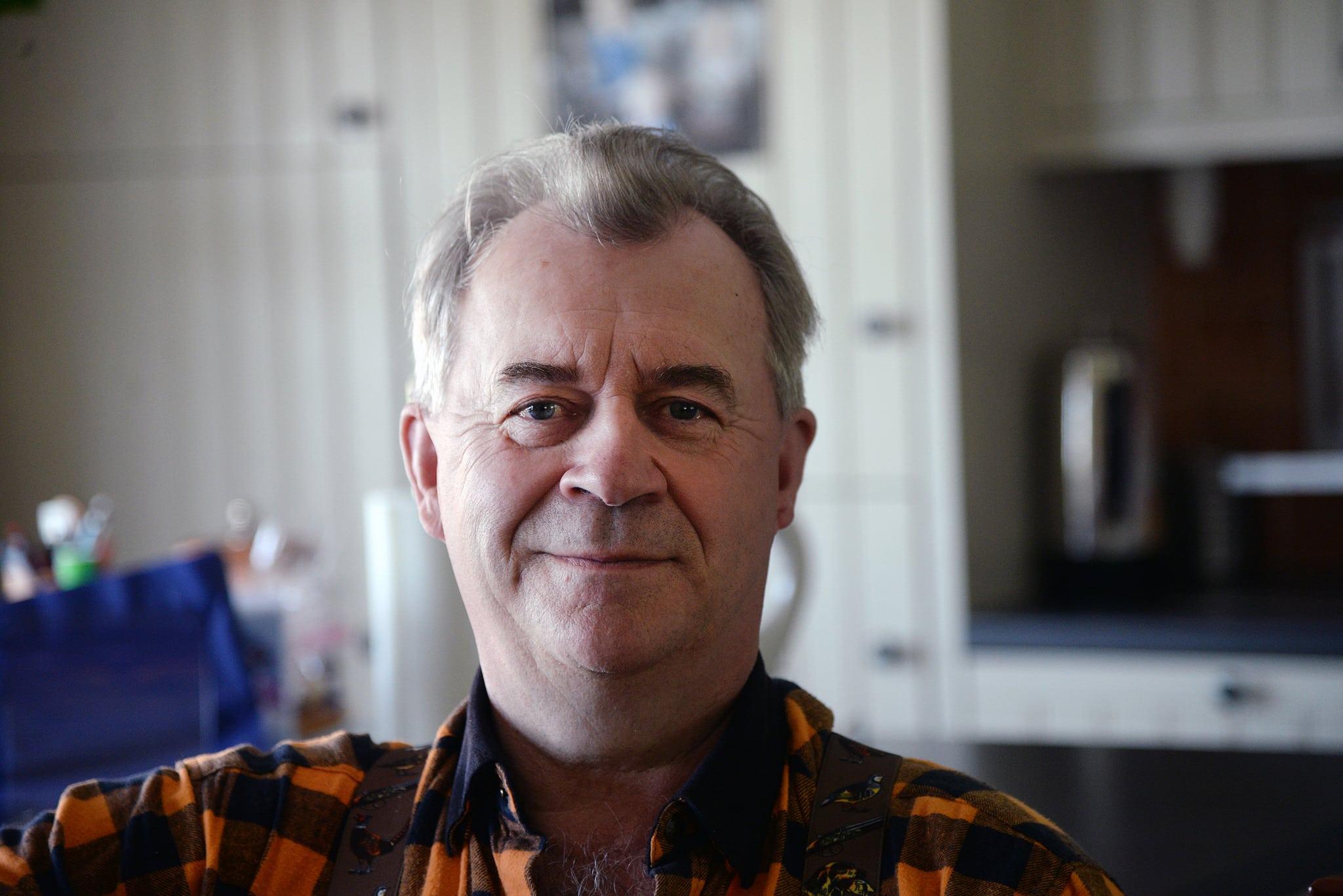 Landsbygdsminister Sven-Erik Bucht lovar att rullstolsburna jägare ska få likvärdig bedömning oavsett var de är bosatta. Foto: Lars-Henrik Andersson