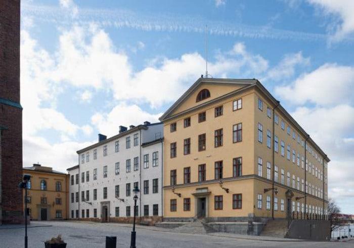 Högsta förvaltningsdomstolen i Stockholm är nu den sjunde domstolen i landet som arbetar med årets licesnjakt på varg.