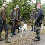 Ungdomar under 18 år på Naturbruksgymnasiernas jaktutbildningar ska även i fortsättningen få vapenlicens, om EU går på Sveriges linje i de fortsatta förhandlingarna om ett nytt vapendirektiv. Foto: Jan Henricson