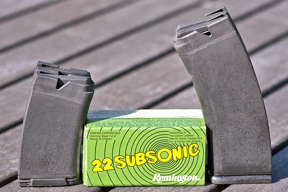 TOZ 99 levereras med fyra magasin. Enkla och i plast, men funktionella. Vapnet sköt bra med Remington Subsonic.