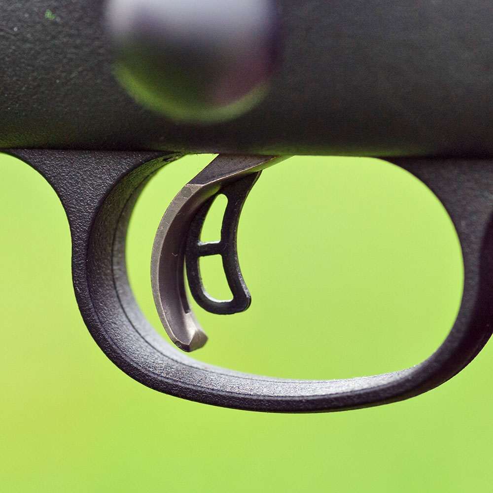 Avtryckaren på den nya Rugerstudsaren har ett säkerhetsgrepp. För att kunna trycka av måste först den inre avtryckaren tryckas in.
