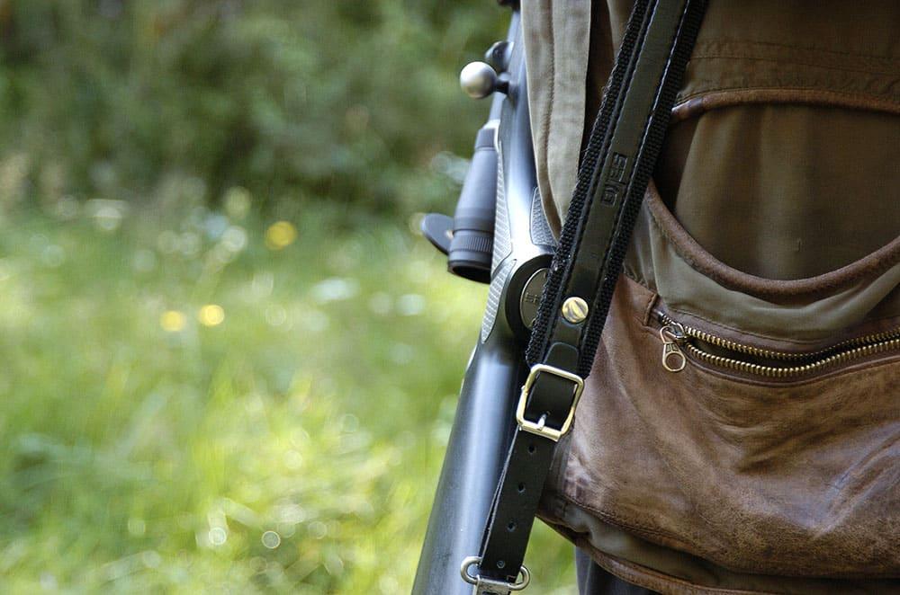 Det är inte rimligt att en jägare ska behöva vänta mer än tre månader på en vapenlicens. Vad gör egentligen handläggarna på Kalmarpolisen, frågar debattören. Foto: Jan Henricson