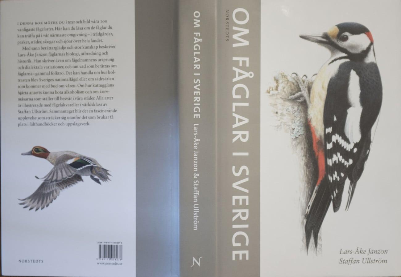 Om fåglar i Sverige är utgiven av Norstedts förlag och på Adlibris kan den köpas för 219 kronor.