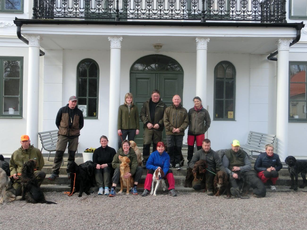 Tio godkända deltagare efter instruktörsutbildning steg 2 med kursledning. Foto: Christina Rasmusson
