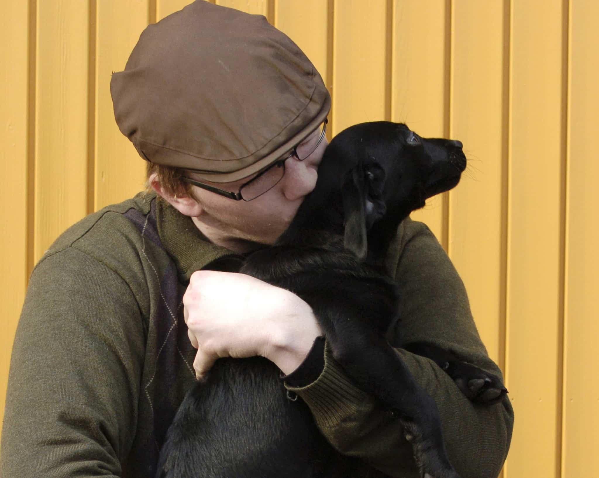 Nu finns det ett allergenminskande schampo, som kan underlätta för allergiker att ha hund. Foto: Jan Henricson