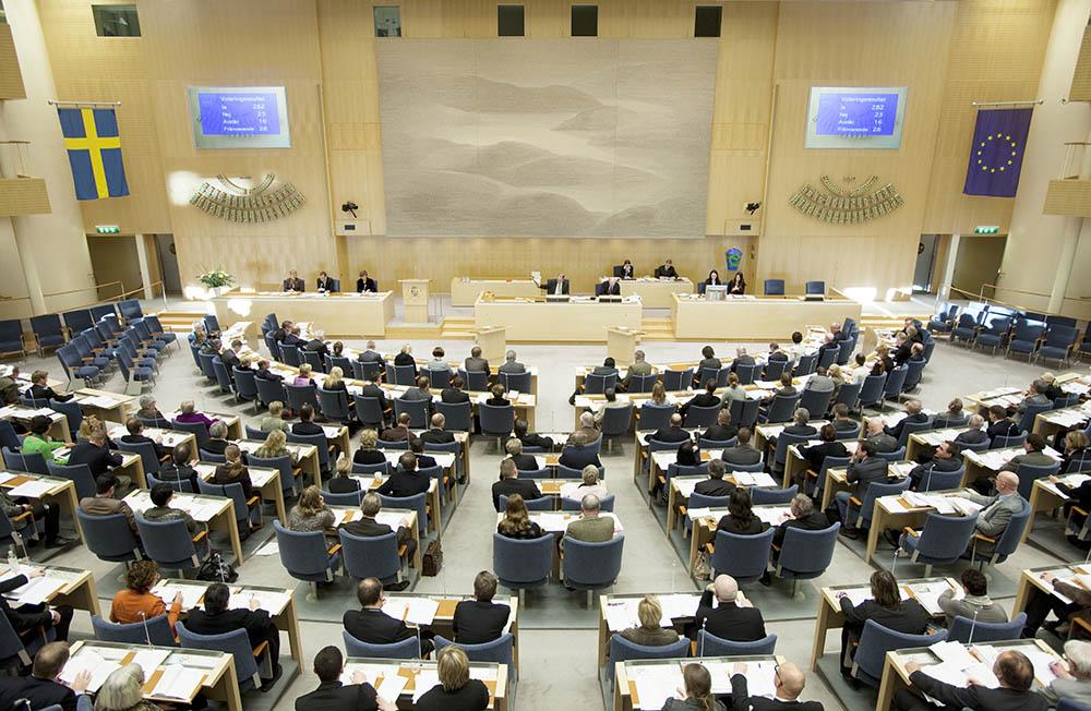 """""""Uppenbarligen är det inte våra folkvalda i riksdagen som ska ta besluten, utan byråkrater som sitter i Europa"""", skriver debattören. Foto: Melker Dahlstrand"""