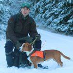 Västralunds Capten, ägare Christer och Ingrid Filipsson, Norberg, var en av 32 drevrar som deltog vid det annorlunda unghundsprovet. Foto: Privat