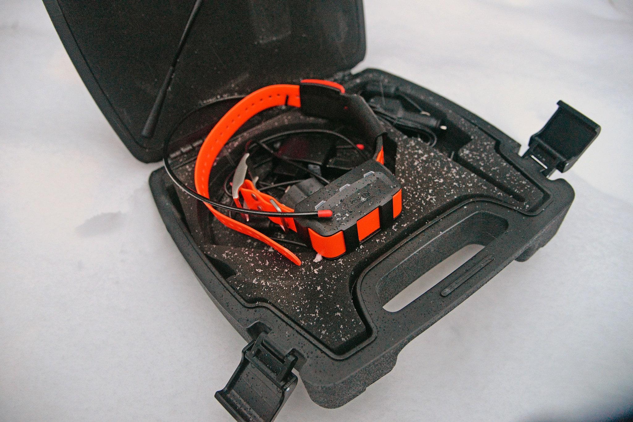 USA-versionen av Garmins Astro hundpejlhalsband kan allvarligt störa försvarets radiokommunikation. Det här halsbandet är dock ett godkänt CE-märkt halsband för den nordiska marknaden. Foto: Lars-Henrik Andersson